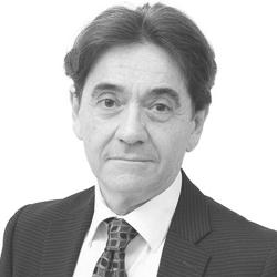Dr. João Diniz Ribeiro - Especialista em Catarata, Plástica Ocular, Lentes de Contato e Estrabismo