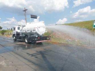 Transporte de Água Potável com Caminhão Pipa