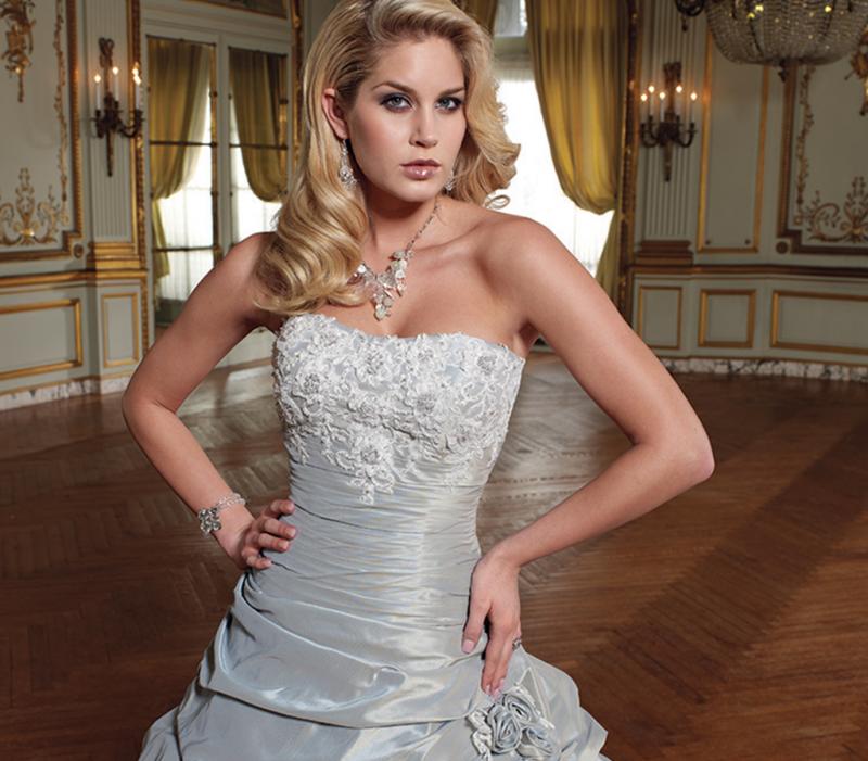 Vestido de Noiva Evasê Corpo Drapeado - Disponível no branco
